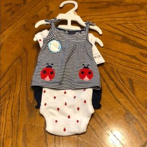 NWT preemie carter's outfit.